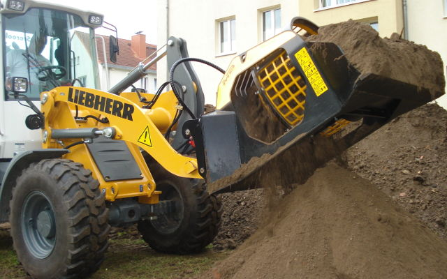 News - MB CRUSHER LAUNCHES THE NEW MB-LS170,   A SCREENING BUCKET FOR LOADERS, SKID STEERS AND BACKHOES