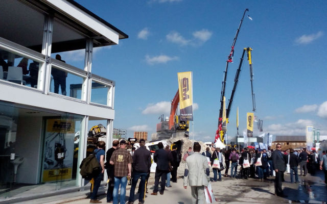 Bauma 2016 - Tag 2 - Demo Area