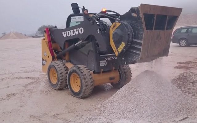 News - MB-L120 on a Volvo wheeled skid steer - incredible the productivity obtained with 15mm output in just 15 minutes!