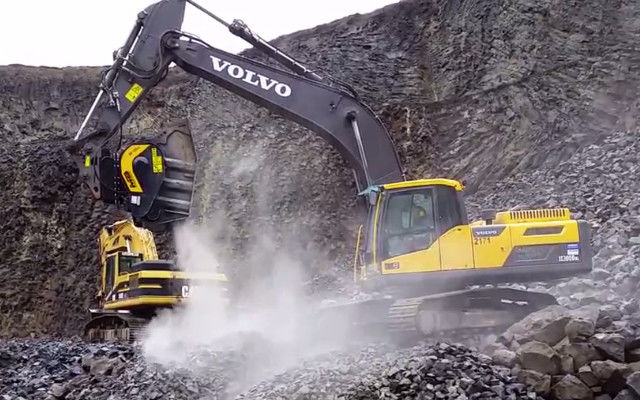 BF120.4 jaw crusher on Volvo excavator. It's work in a quarry in Germany