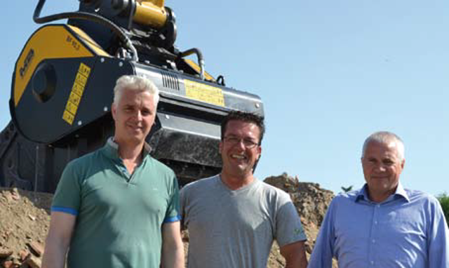 Da sinistra: Lorenzo Sottili, titolare della CO.IM., Massimo Monelli, operatore della CO.IM. e Franco BRiganti, Area Manager di MB