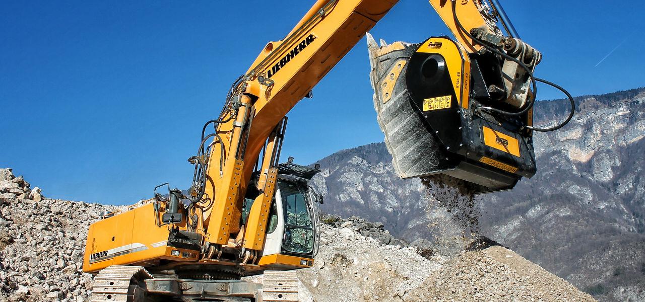 La cuchara trituradoras BF 135.8 es adecuada ser montada en excavadoras sobre 43 toneladas.