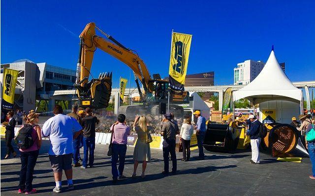 News - The crusher bucket BF135.8 at Las Vegas!