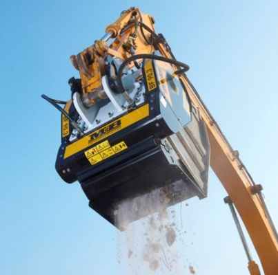 HUGE SUCCESS FOR MB AT HEAVY EQUIPMENT SHOW IN CANADA