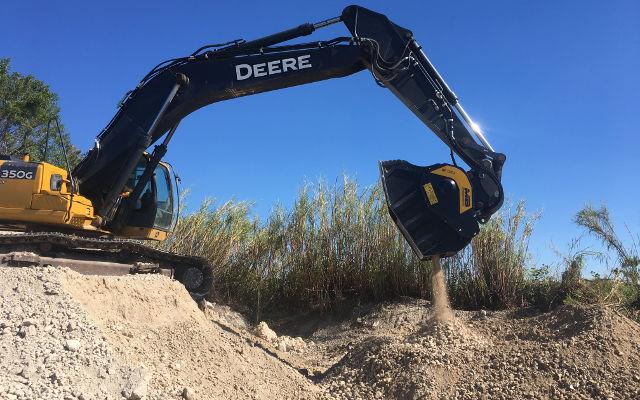 News - BF120.4 Crusher Bucket Crushing Coral and Sand Stone Mix