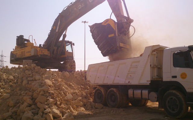 Why choose MB Crusher to carry out important road engineering projects?