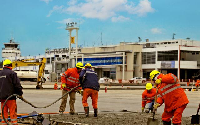 ÚLTIMAS NOTICIAS - MB Crusher para la nueva pista de aterrizaje