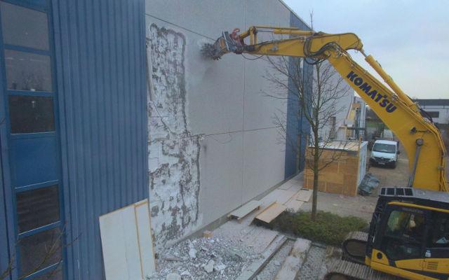 News - Die Fräse MB-R800 beim Abbruch einer Werkhalle in Deutschland