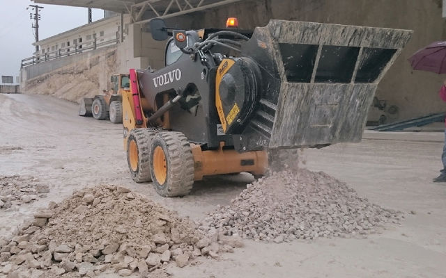 Mb Crusher Buckets For Your Skid Steer Mb S P A
