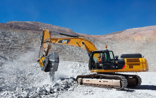 News - Explosive performances for the MB Crusher Bucket BF120.4 in a big mine