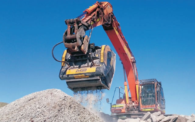 MB Crusher will set a live demonstration with its machines.