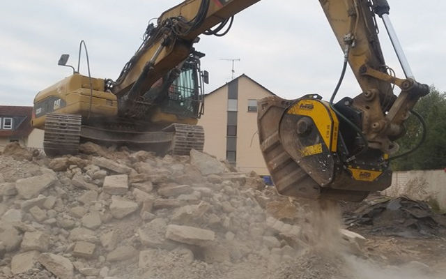 The MB Crusher range designed for urban worksitesis in operation in cities all over the world
