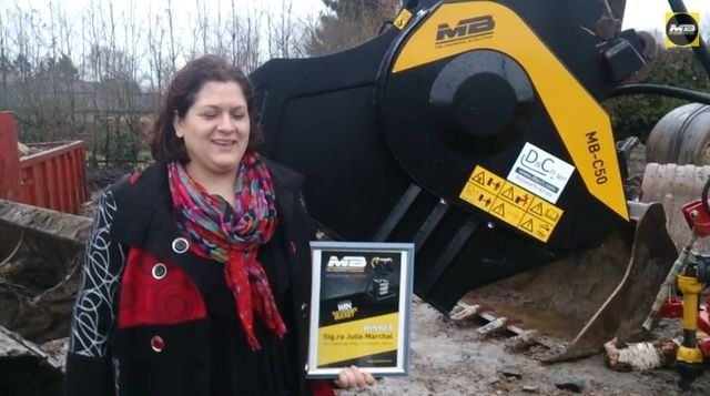 News - The amazing story of Julia Marchal:  that with MB has won a bucket crusher worth 21.700 euros!