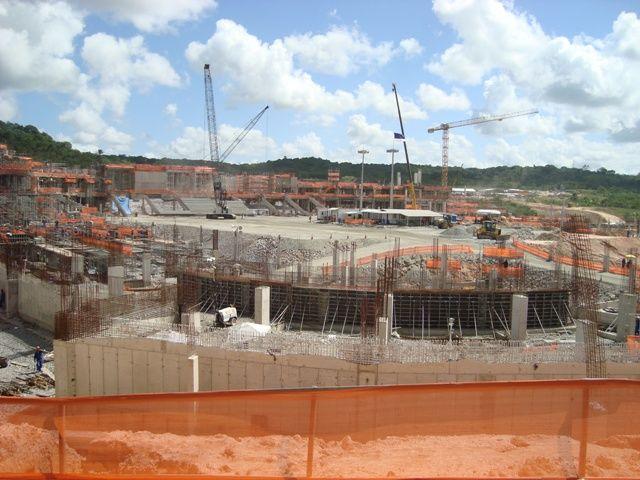 BRASILIEN 2014 - HINTER EINEM GROSSEN WERK STEHT DER BACKENBRECHERLÖFFEL MB