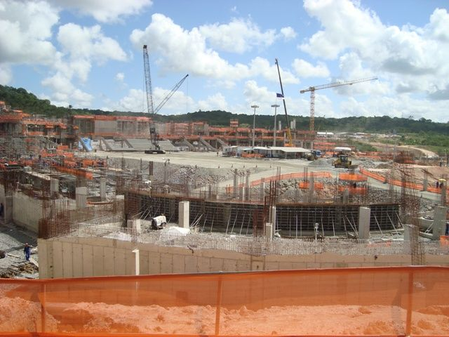 BRAZIL 2014 - BEHIND EVERY GREAT WORK THERE IS AN MB CRUSHER BUCKET