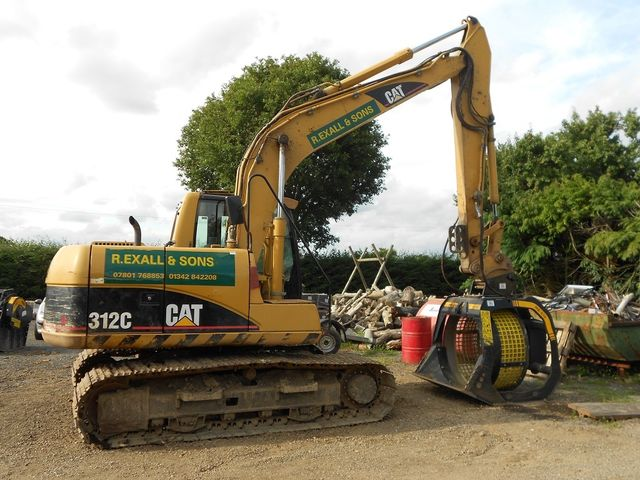 """We were very impressed and could see the advantages of using buckets over the bigger machines. They are easier to use and more versatile fitting easily on the existing excavators."""