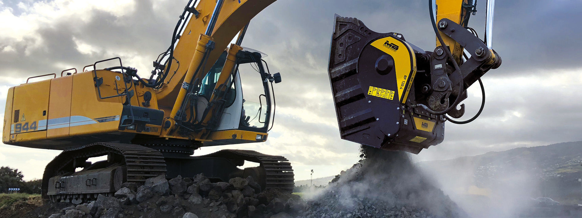 Turn your excavator into a real crusher