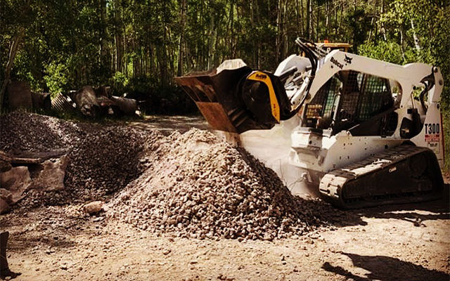 Crushing with the MB-L120 crusher bucket reduces material transportation fees.