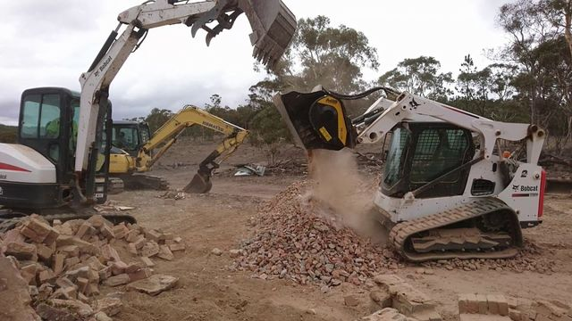 Laying the foundations in Wamboin, New South Wales with an MB Crusher bucket