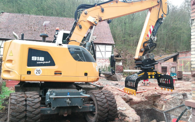 MB Crusher Rotating Grabs: 360° handy for all round performance
