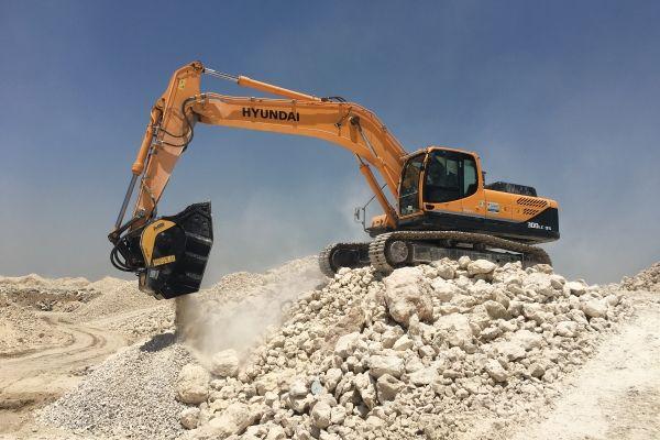 Dentro de una cantera, la maquinaria MB es la solución más ágil y fácil para recuperar material de desecho y agilizar las operaciones