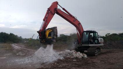 Una empresa que posee una gran cantera de carbonato de calcio está utilizando las máquinas MB Crusher para procesar el material extraído y revenderlo para aplicaciones agrícolas.
