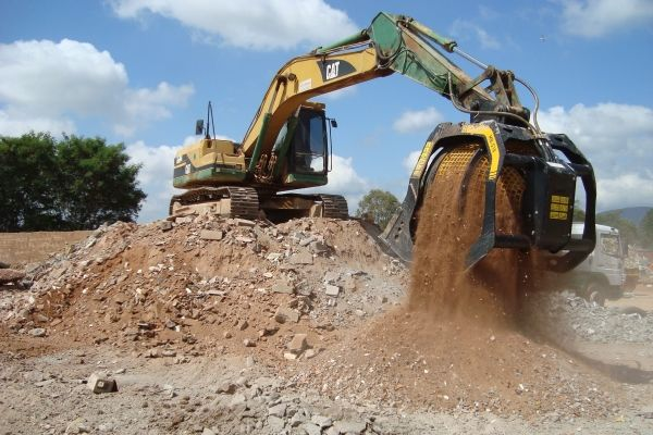 a caçamba peneira MB-S18, escavadeira CAT