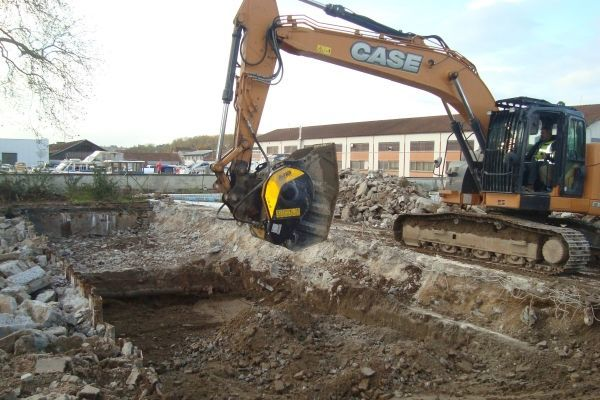 DISCOVER MACHINES THAT ELIMINATE TRANSPORTATION COSTS FOR EXCAVATED MATERIALS