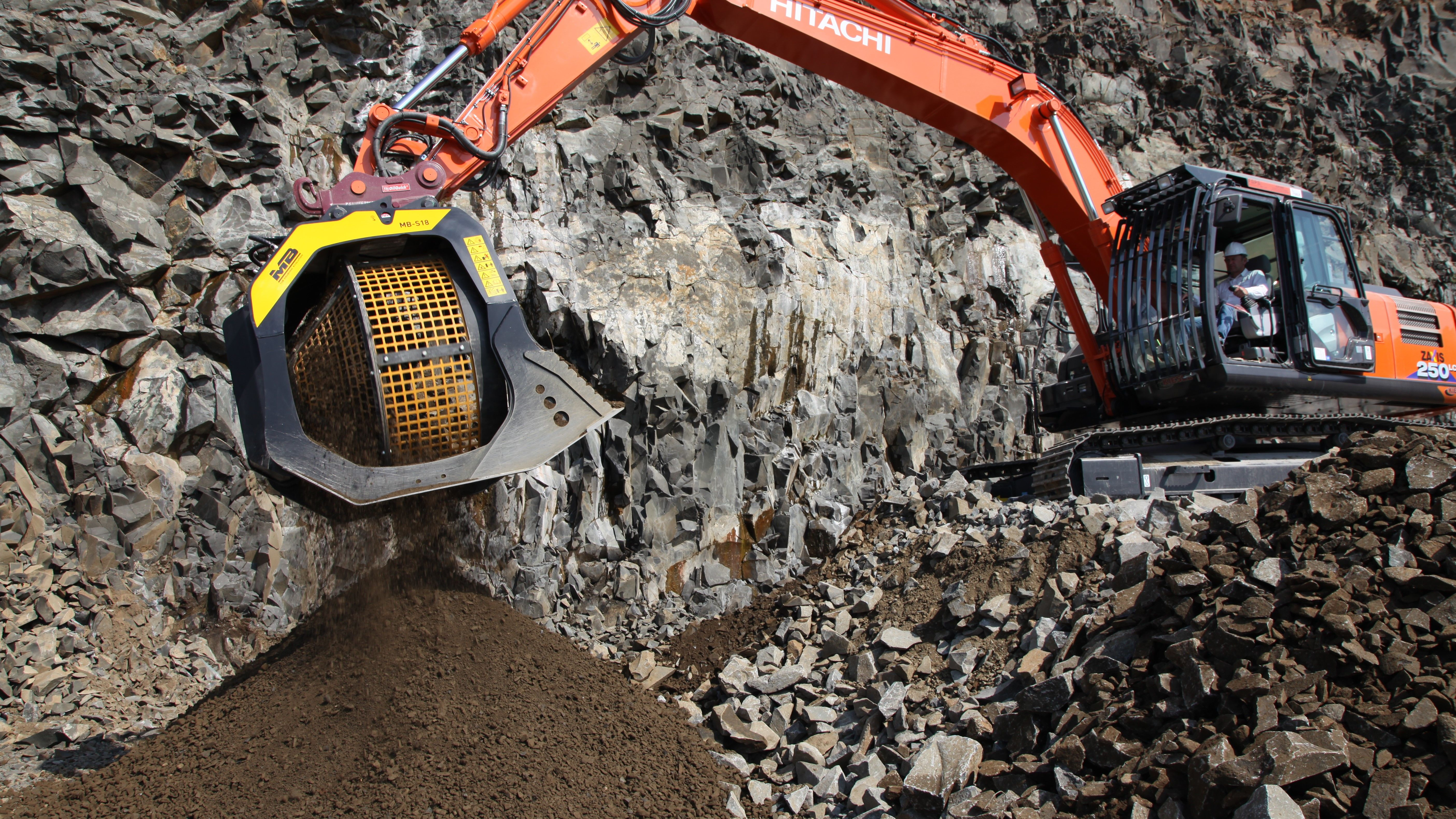 One of the buckets on thedemo lineupis a crowd favorite, theBF90.3 crusher bucket.